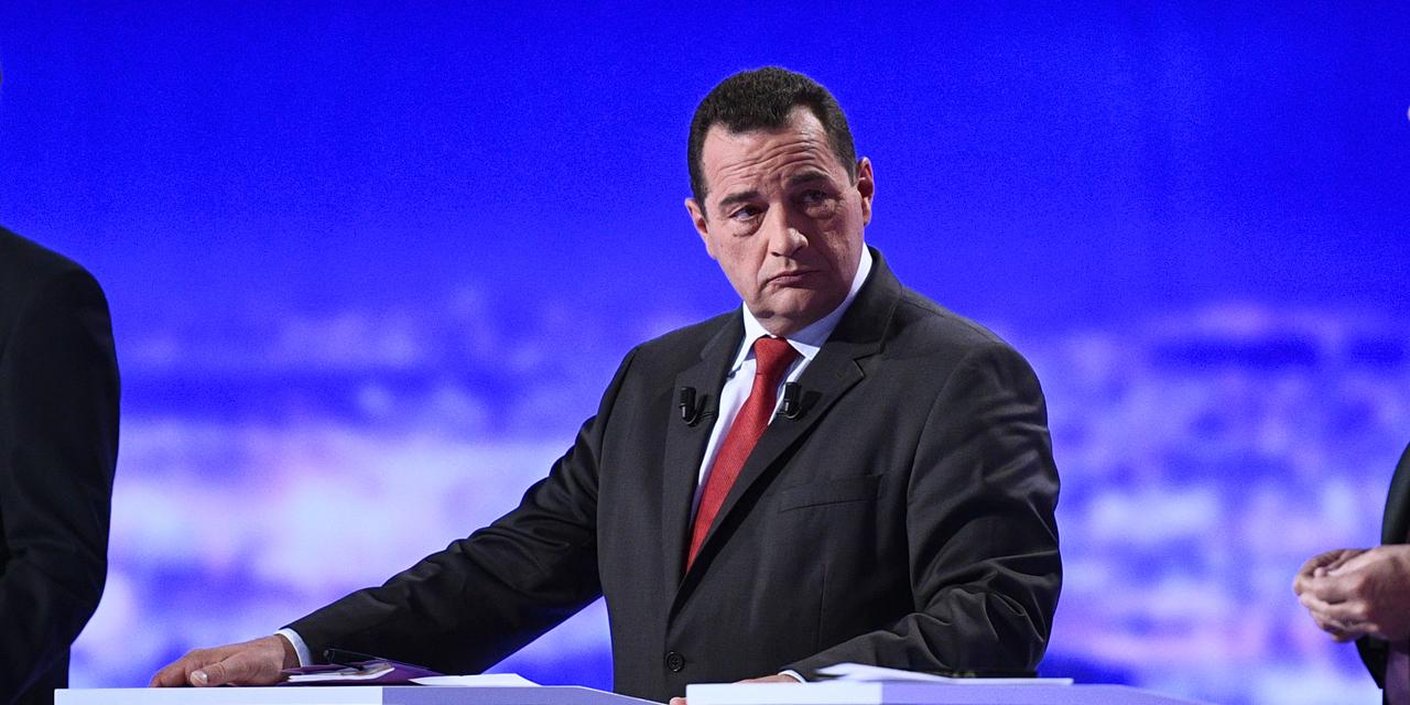 Jean-Frédéric Poisson s'oppose à Macron pour défendre les travailleurs les plus fragiles