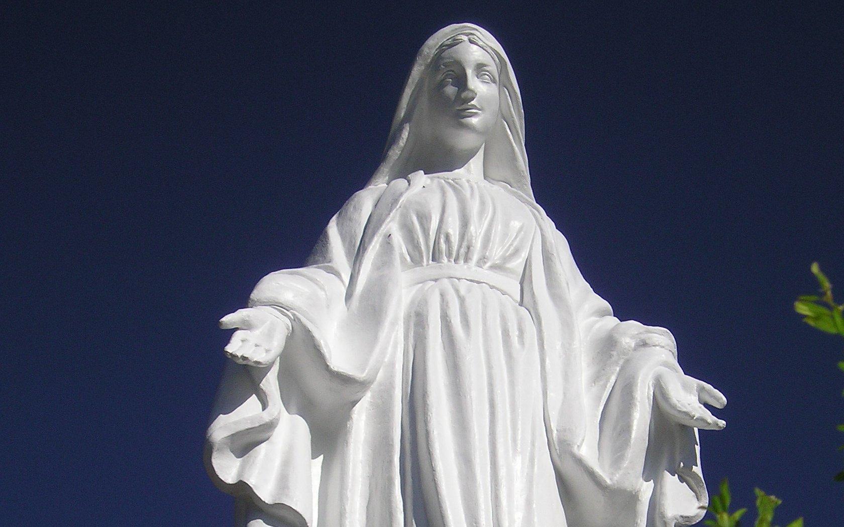 Lyon: retour en  grâce de la Vierge vandalisée grâce …. à une imprimante 3D!