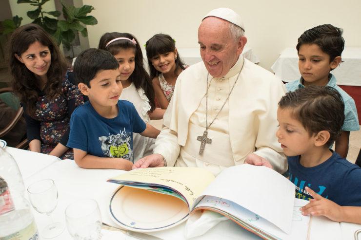 Journée des migrants, le pape invite à prendre le mal à la racine et dénonce l'exploitation des enfants