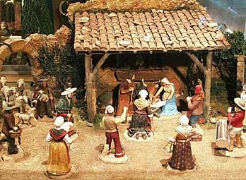 Marseille messe des santons en fran ais proven al - Fabriquer creche de noel en bois ...