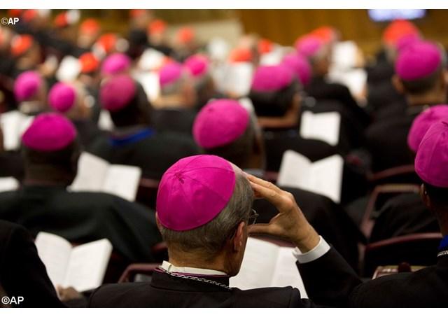 Synode des jeunes: l'Eglise doit se mettre à l'écoute