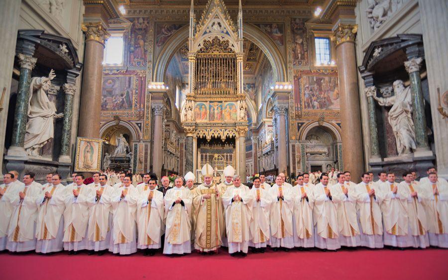 Le cardinal Pietro Parolin ordonne 36 prêtres pour les légionnaires du Christ