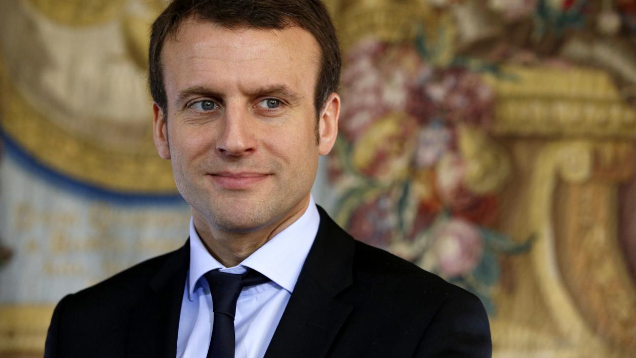 Emmanuel Macron favorable à la GPA…quand la société sera prête
