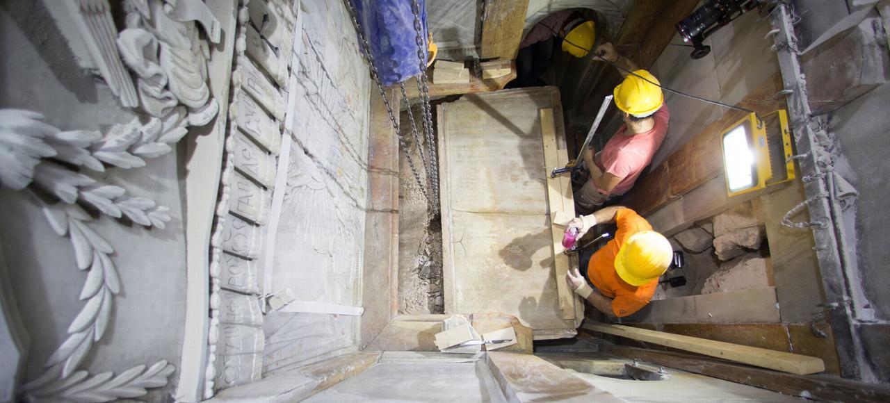 Tombeau du Christ: qu'avons-nous trouvé sous la plaque de marbre?