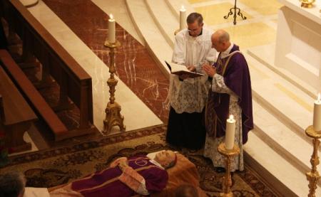 Opus Dei – Messe à Bruxelles pour Mgr Echevarria