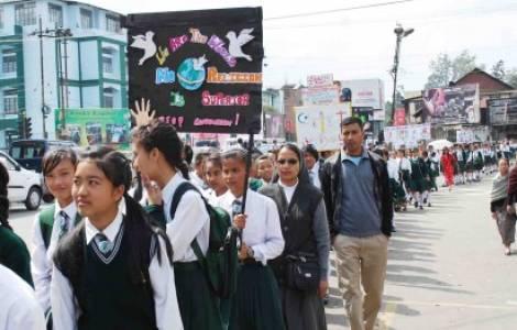 Inde – Les jeunes catholiques ont marché pour la paix