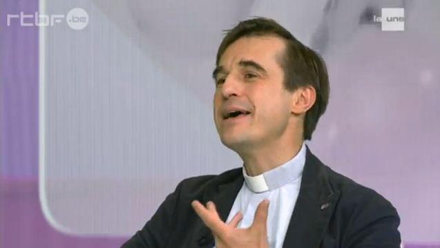 Suicide de l'Eglise belge, l'abbé de Beukelaer réagit