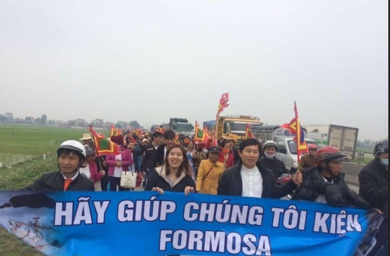 Vietnam – Une manifestation menée par des catholiques brutalement réprimée: les réactions affluent