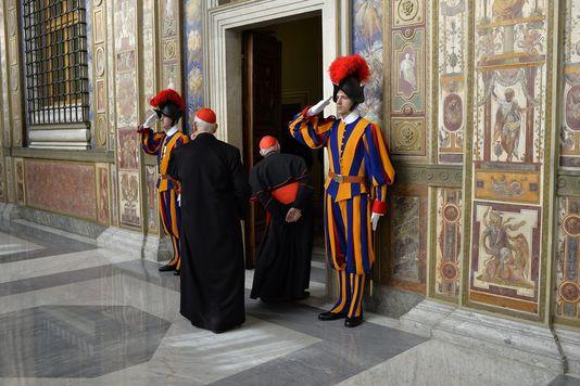 Rome dans la tourmente - Prions pour le pape, la curie et nos pasteurs