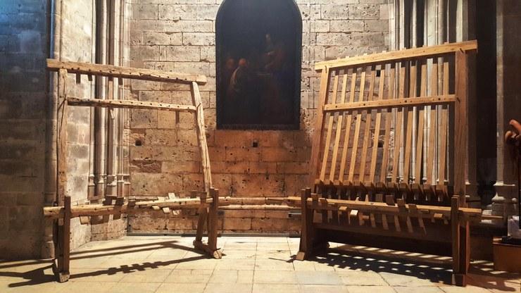 Bénédiction d'une cloche en bois à la cathédrale de Bourges