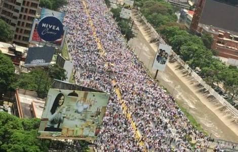 La protestation civile et pacifique ne constitue pas un crime. C'est un droit! Rappellent les évêques