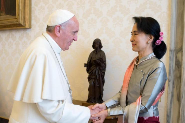 Myanmar – Le Pape s'apprête à recevoir Aung San Suu Kyi