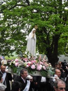 Pèlerinage au sanctuaire de Notre-Dame de Mont-Roland avec Mgr Minnerath et Mgr Jordy