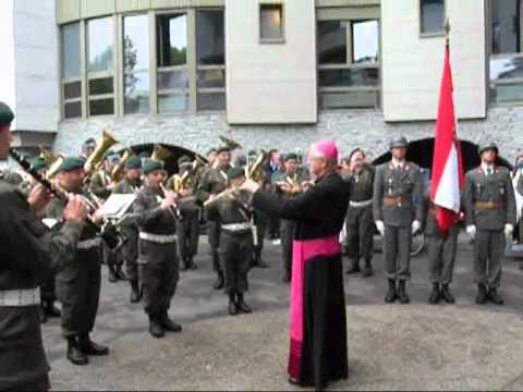 Saints patrons et traditions militaires font débat à l'Assemblée
