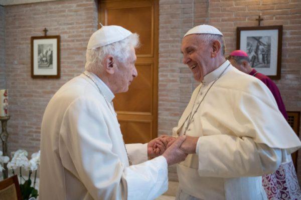 Pape François, un pape populaire à l'extérieur de l'Eglise mais impopulaire au sein de l'Eglise