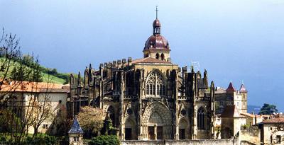 Le diocèse de Grenoble-Vienne recherche un couple de laïcs pour faire vivre l'abbaye et la maison abbatiale de Saint Antoine-l' Abbaye.