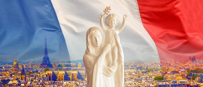 Grande veillée de prière pour la France à Montmartre avec les cyclistes du grand AIME de Marie