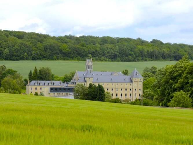 Avec la Divine Box, découvrez l'abbaye Notre-Dame du Val d'Igny, en Champagne