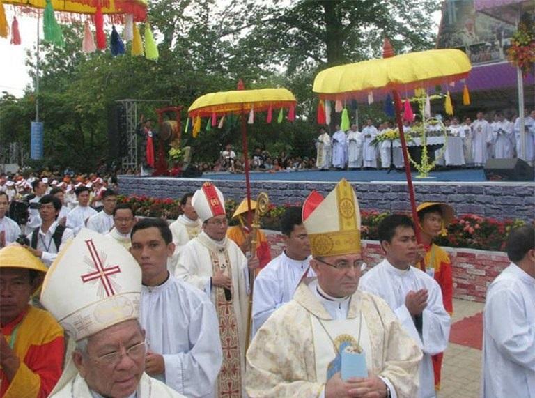 Au Vietnam, le représentant du Saint-Siège appelle à la liberté religieuse