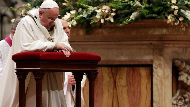 L'Edito – Dans la tempête qui secoue l'Eglise prions pour elle et pour le pape – Rejoignez notre chaîne de prière