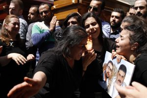 Syrie - Un jeune photographe partage l'enfer des chrétiens (Une expo à faire tourner ?)