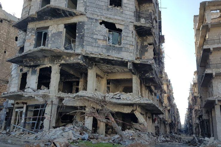 Les patriarches grec orthodoxe, syriaque orthodoxe et grec-melkite catholique d'Antioche et de tout l'Orient dénoncent et condamnent les frappes aériennes de la coalition occidentale sur la Syrie.