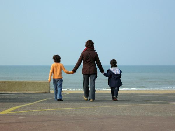 Le nombre de familles monoparentales en hausse de près de 90% depuis 1990