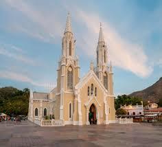 L'Eglise comme seule institution fiable selon la population et soutien de 12 pays au dialogue entre le gouvernement et l'opposition