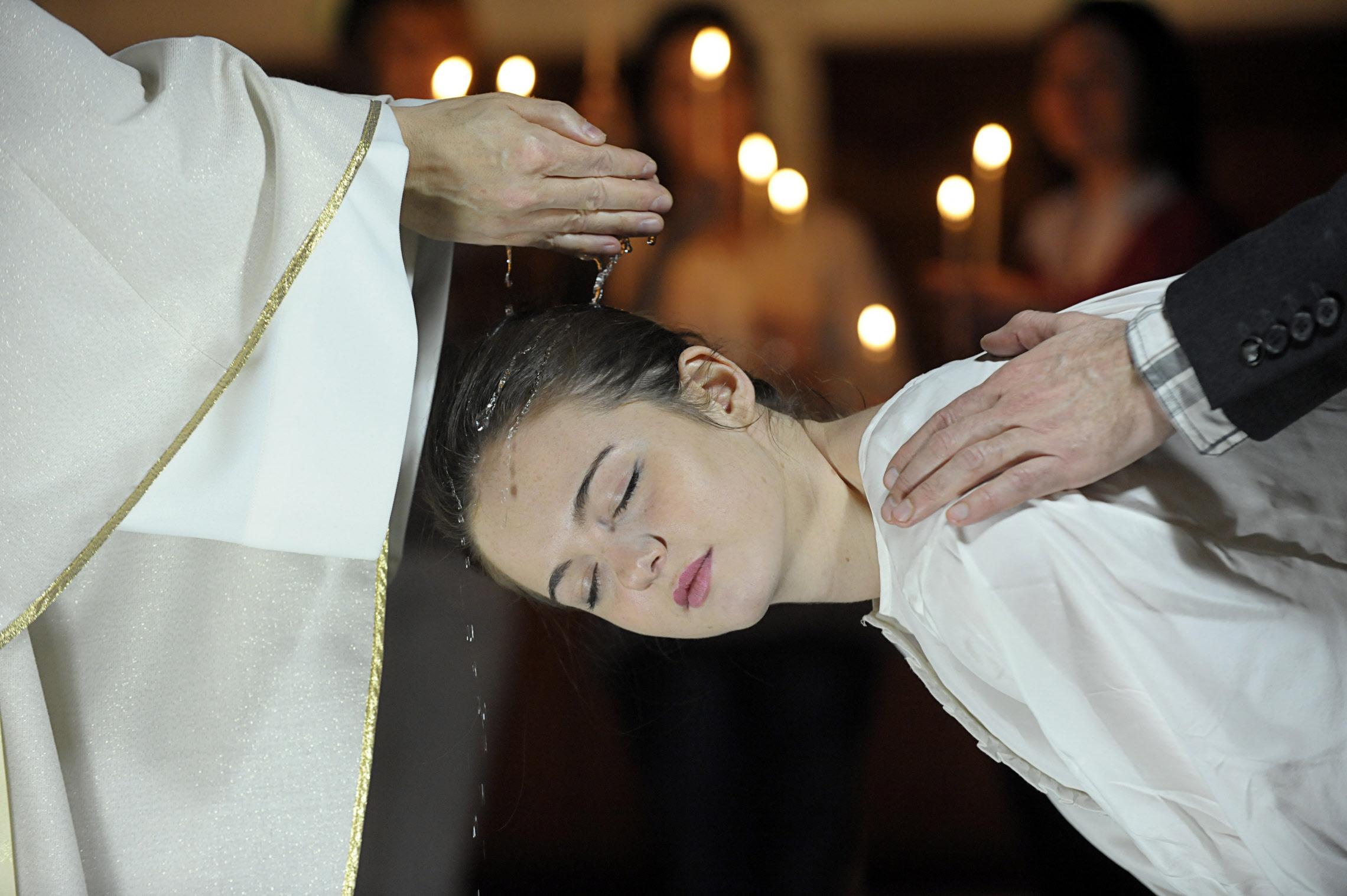 Rome rappelle la nécessité de suivre les formules prescrites pour le Baptême
