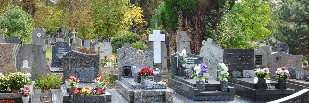 Bénédiction au cimetière de Loyasse (69) le 30 octobre
