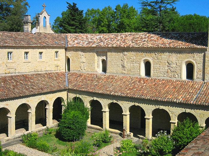 Abbaye Sainte-Marie du Rivet: une histoire à rebondissements!