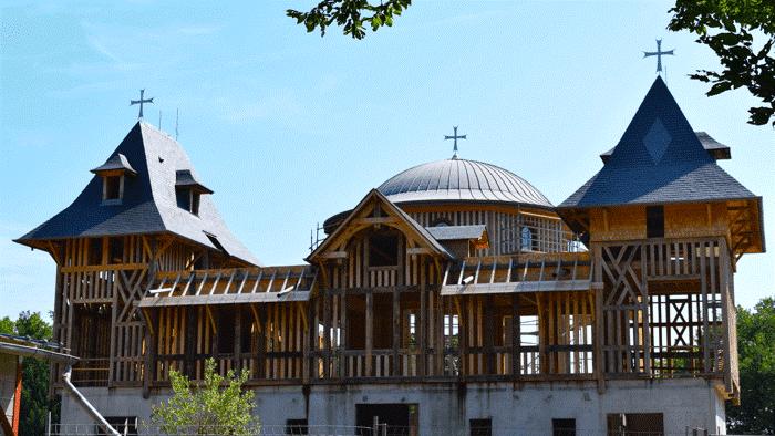 Monastère de la Transfiguration: un pigeonnier, des brebis… et une agora!