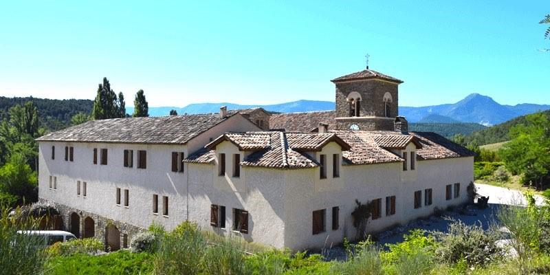 L'abbaye Notre-Dame de Miséricorde de Rosans: des bénédictines en Provence!