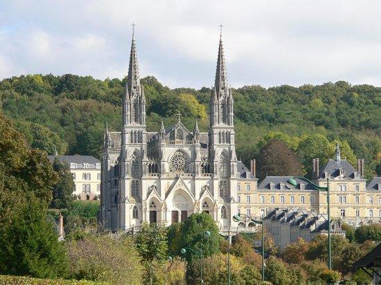 Pèlerinages des pères de famille du 29 juin au 1er juillet 2018 au sanctuaire de Montligeon (61)