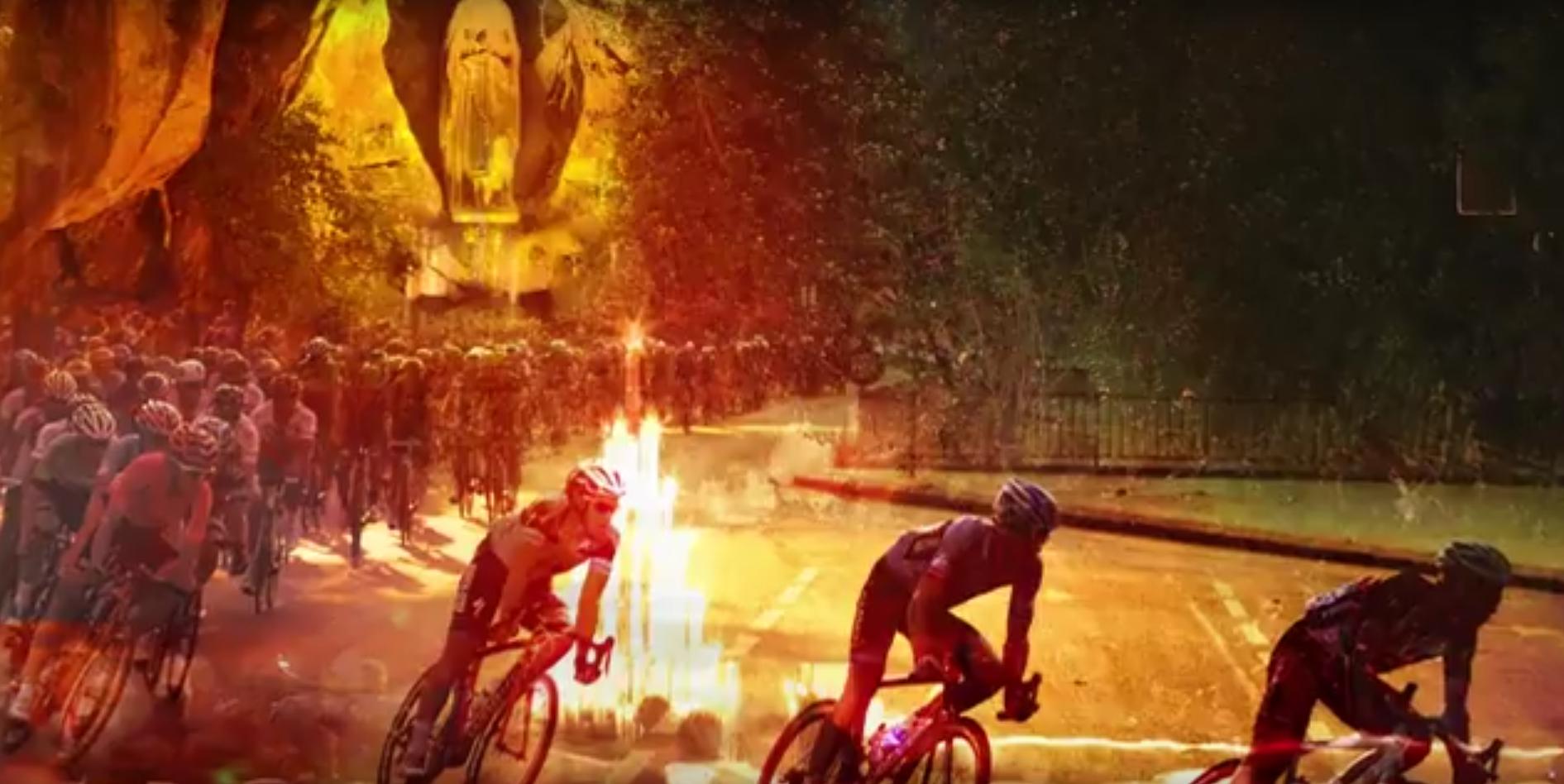 Procession des cyclistes avant le départ du Tour de France à Lourdes (65) le 26 juillet 2018