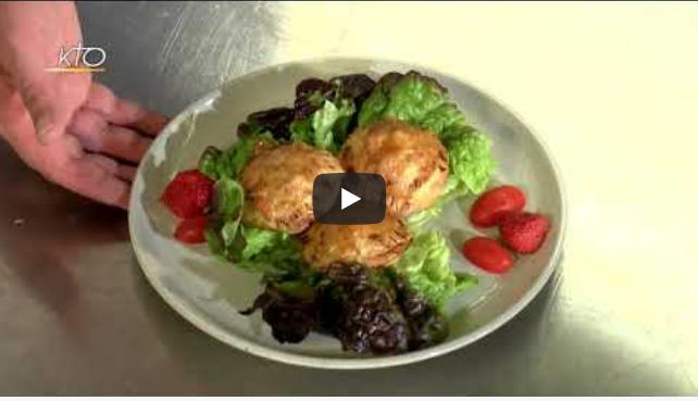 La cuisine des monastères: soupe froide de courgettes, feuilletés et camembert pané