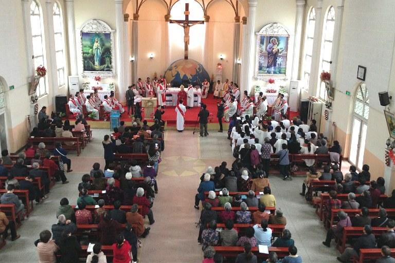 Chine: les autorités ordonnent le recensement des catholiques du Henan
