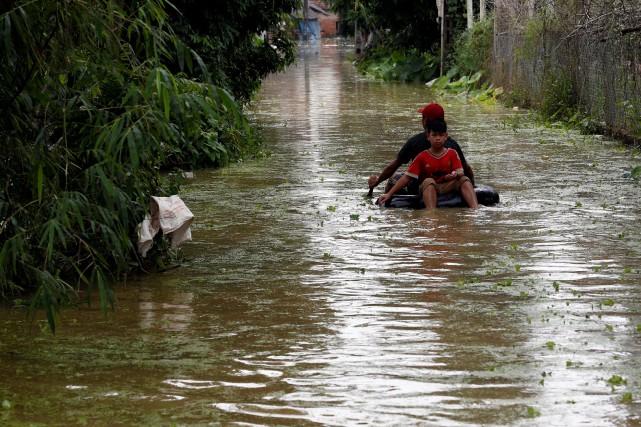 Vietnam: l'Eglise soulage les victimes inondations du Nord
