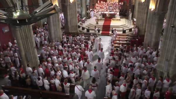 France: pas de messes publiques avant la mi-juin