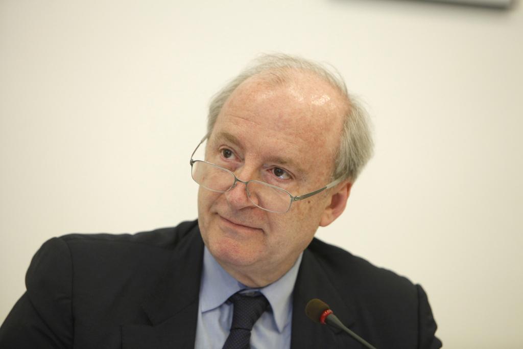 """H. Védrine: """"Selon saint Thomas d'Aquin, l'accueil des migrants n'est pas nécessairement inconditionnel"""""""