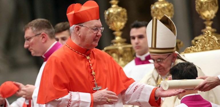 Rome: le cardinal Farrell préside une veillée de prière pour la paix