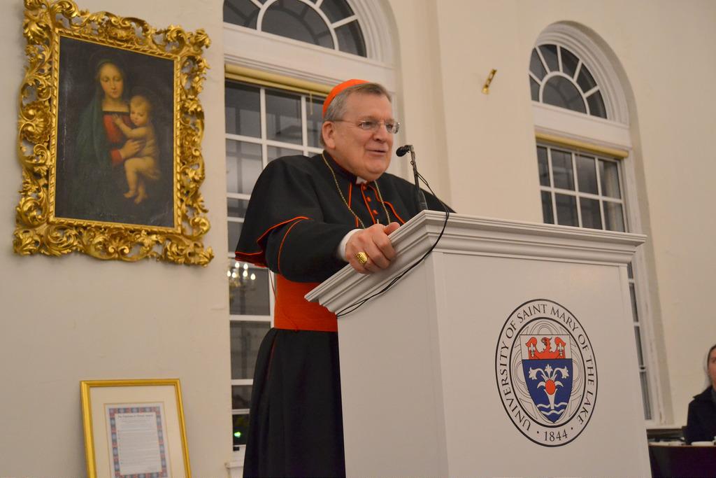 Le cardinal Burke n'est plus en soins intensifs