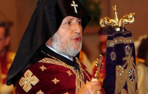 Arménie: les protestations contre le Catholicos continuent