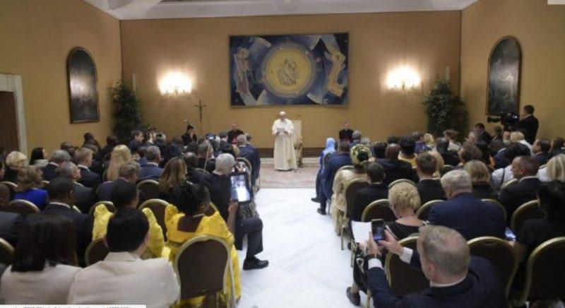 """Pape François: l'homme politique chrétien est appelé à """"être témoin"""""""