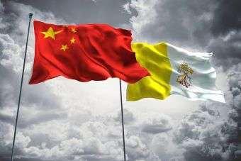 Présentation par le père Lombardi des relations entre le Saint-Siège et la Chine