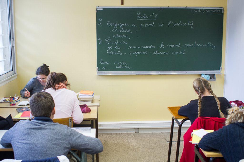 Sarthe: le Cours Saints Martin: un collège hors contrat relève le défi de la ruralité