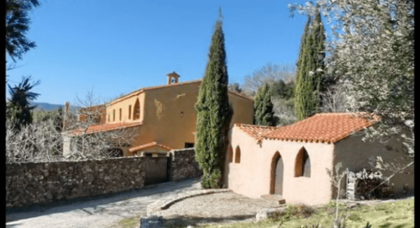 Pyrénées : les soeurs de la famille de Béthléem, de la Vierge et de saint Bruno arrivent au monastère de l'Albère