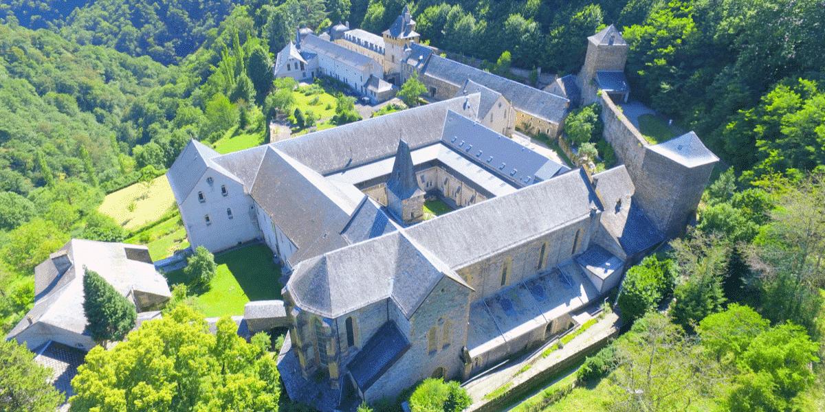 (Re)découvrez l'abbaye de Bonneval! Son histoire, ses évolutions, sa chocolaterie artisanale…