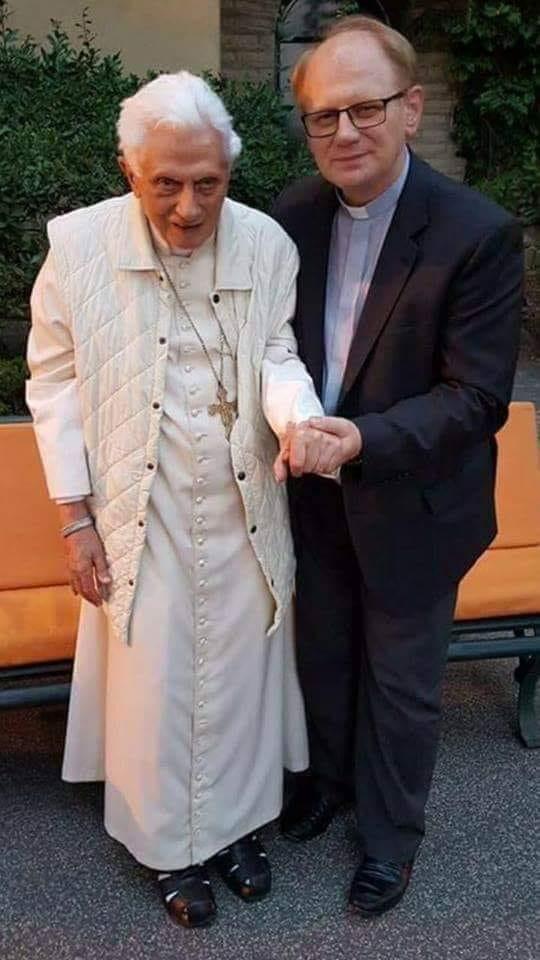 Une photo récente de Benoit XVI pour terminer la semaine