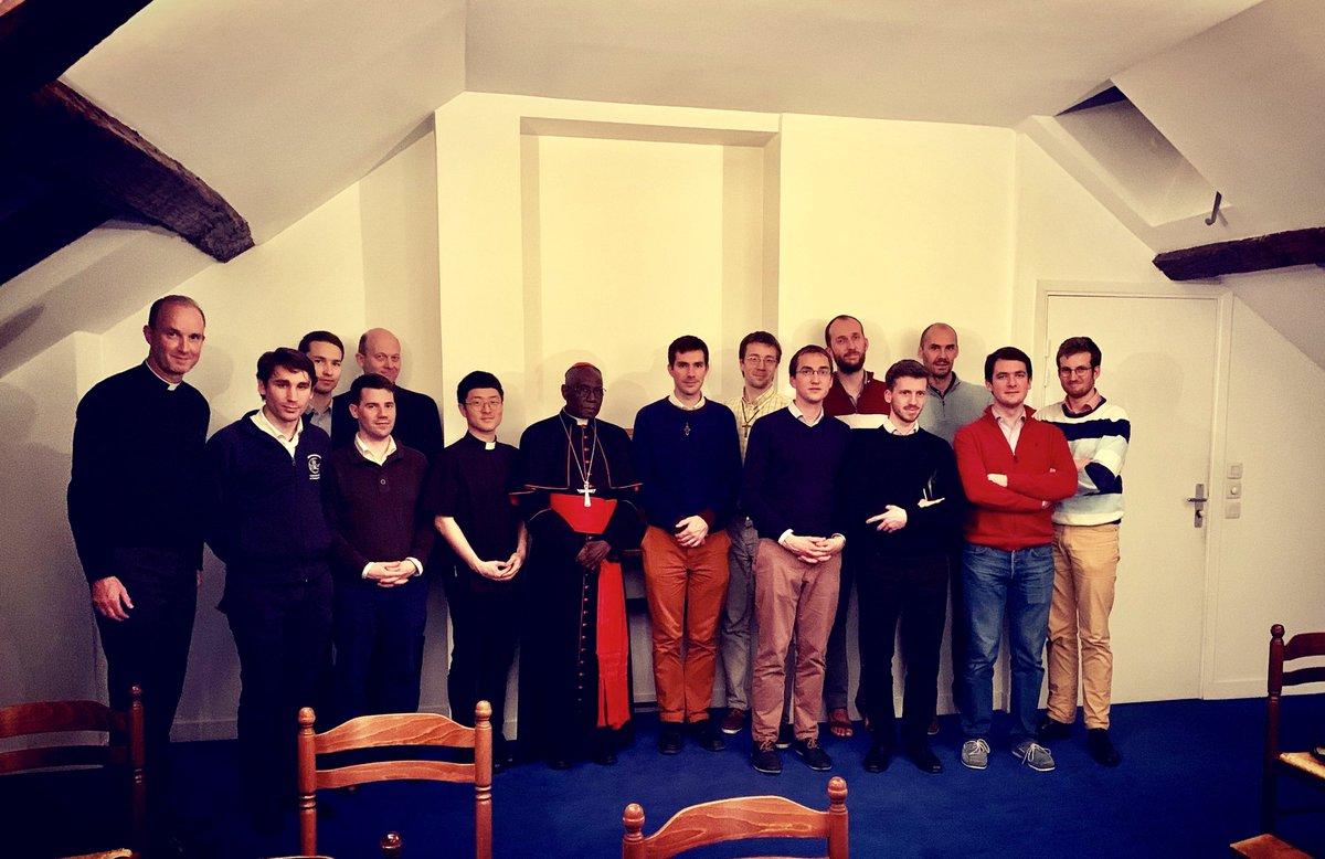 Le cardinal Sarah avec les séminaristes du diocèse de Paris